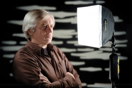 dedolight classic dlh4 light with soft box and background lit with gobo for tv interview setup